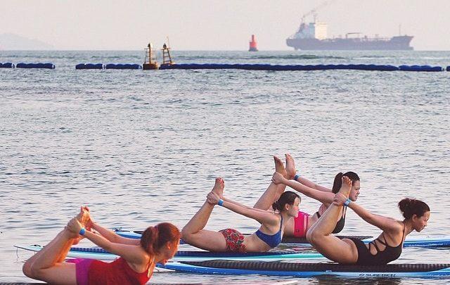 Pratiquer le paddle gonflable est aussi une activité féminine :
