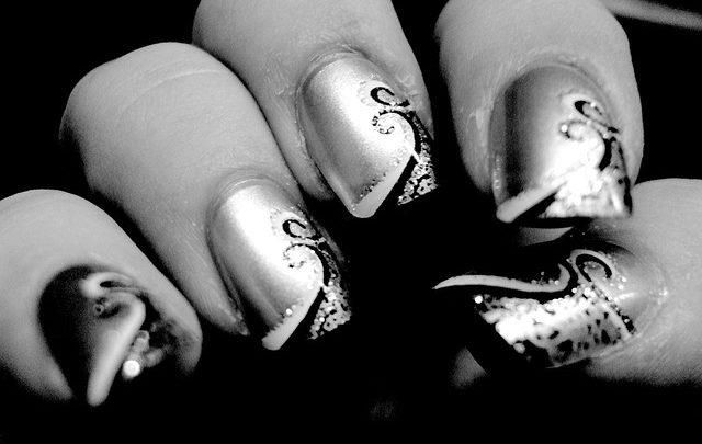 Gel ou résine : quels faux ongles choisir ?